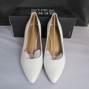 Naturalizer Natalie White Leather Pump Shoes